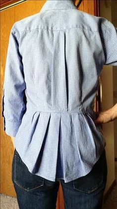 Another cool idea with men's cotton shirts: Refashioned men's XL dress shirt. Diy Clothing, Sewing Clothes, Clothing Patterns, Sewing Patterns, Remake Clothes, Redo Clothes, Shirt Patterns, Diy Fashion, Ideias Fashion