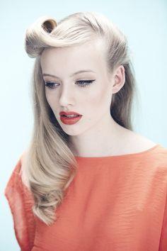 Pinup hair  make-up