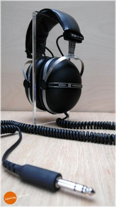 I also wanted a pair of these giant Pioneer closed-back cans. They are the quintessence headphone design.