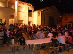 Fiestas en la plaza Mayor. Cofita, Huesca, Spain.