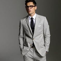 Gray Suit by JCrew ties accessories (groom's) groom suits Costumes Gris Clair, Costume Gris, Light Grey Suits, Gray Suits, Groomsmen Grey, Fitted Suit, Summer Suits, Well Dressed Men, Business Attire