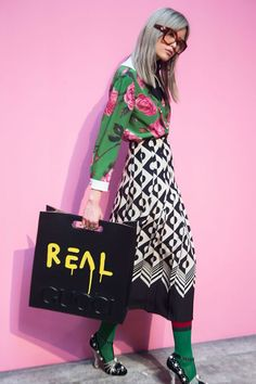 Gucci at Milan Fashion Week Fall 2016 - Backstage Runway Photos Fashion Foto, Moda Fashion, High Fashion, Fashion Show, Womens Fashion, Fashion Trends, Fashion News, Dior Ss17, Mode City