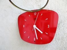 French 1950-60s Atomic Age Vintage Red Wall Clock by Decofanatique