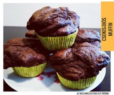 A csokis-diós muffin ezúttal is teljeskiőrlésű lisztből készült és cukor nélkül, ahogy egy valamire való inzulinrezisztens süteménynek illik. Muffin, Cukor, Breakfast, Dios, Morning Coffee, Muffins, Cupcakes