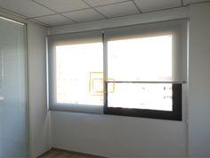 #Cortinas #enrollables en #oficinas calle mallorca. #estores #screen
