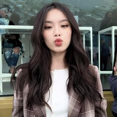 Simple Skin Care Tips For All Ages - Beauty Skincare Products Korean Makeup Look, Asian Makeup, Korean Beauty, Asian Beauty, Pretty Korean Girls, Cute Korean Girl, Asian Girl, Mode Ulzzang, Ulzzang Korean Girl