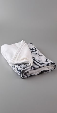 WOW! Elizabeth Peyton Double Beach Towel - StyleSays