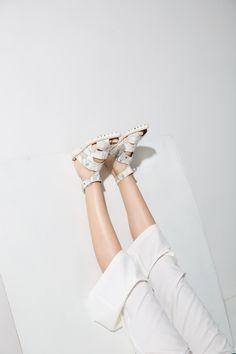 SILENCE - FFW   ph: Lorena Dini |  styling: Jessica Bianchi Spanó | beauty: Alex Origuella | model: Indaia Lara (Ford Models)
