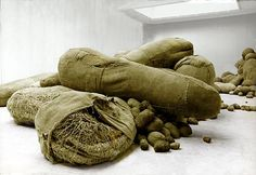 Magdalena Abakanowicz EMBRYOLOGY AT THE VENICE BIENNALE 1980 1978-1980, Burlap, cotton gauze, hemp rope, nylon and sisal Approximately 800 pieces: from 4 to 250 cm long Collection of the artist
