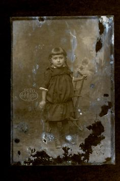 Zniszczona fotografia #Bielski #Fotografia #fotobielski #zdjęcia #moda #historia #płytkiszklane
