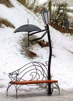 Bild könnte enthalten: Personen, die sitzen und im Freien