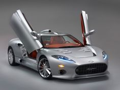 Spyker. Dutch Airplane company busts out an unbelievable piece of machinery event the interior is LV