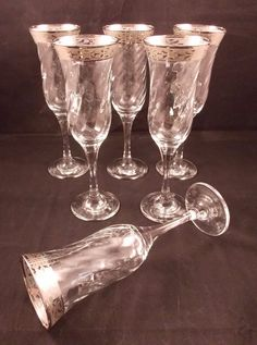 Gorgeous set of 6 Champagne Flutes from Marcello Aglieri. Vintage Champagne Glasses, Champagne Flutes, Mason Jar Wine Glass, Vintage Fashion, Entertaining, Band, Retro, Unique Jewelry, Tableware