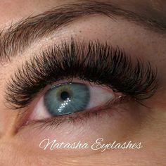 Îndrăznește să faci schimbarea la care ai visat. 🎀😍🎀          #eyeliner #kardashian #megavolume  #genebucuresti #extensiigene #genefircufir  #extensiigenebucuresti #genefalse #cursurigene  #instagram #alegecalitatea❗️ ❗️Alege extensiile #marca #ruseasca❗️❗️  🔴 Alege extensiile de gene care ți se potrivesc in funcție de forma ochilor și fizionomia fetei!   📌Pentru o privire #intensa si plină de #volum, poarta genele din matase naturala! 📌0733822298