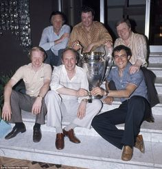 ☼ #LFC The Great Ray Kennedy is showing off the European Cup with members of the BBC team on duty after the famous win over Borussia Monchengladbach in Rome in 1977.