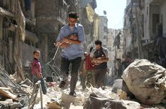 Find images and videos about syria, holocaust and aleppo on We Heart It - the app to get lost in what you love. Aleppo, Photo Choc, John Kerry, Syria Conflict, Politisches System, Cultures Du Monde, World Press Photo, Syrian Civil War, Human Rights Watch