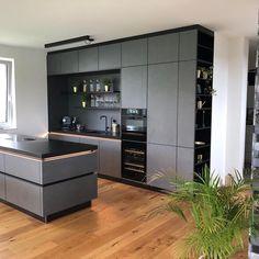 Kitchen Pantry Design, Home Decor Kitchen, Kitchen Styling, Interior Design Kitchen, New Kitchen, Kitchen Island Lighting Modern, Grey Kitchen Island, Open Plan Kitchen Living Room, Kitchen Countertops