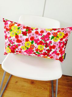 Now this is vintage HAPPINESS! A She's Happy Design pillow cushion cover on Etsy: http://www.etsy.com/shop/sheshappydesign