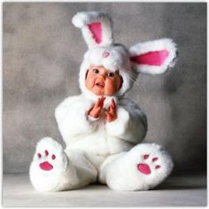 Tom Arma White Rabbit Tom Arma Signature Collection™ White Rabbit The perfect bunny for your little honey! This Tom Arma deluxe White Rabbit costu So Cute Baby, Baby Kind, Cute Kids, Animal Costumes, Cute Costumes, Baby Halloween Costumes, Toddler Halloween, Halloween Outfits, Easter Costumes
