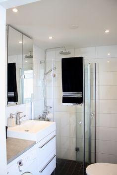 Nice home spa. Bathroom Spa, Bathroom Toilets, Laundry In Bathroom, Small Bathroom, Laundry Area, Home Spa, Bathroom Inspiration, Small Spaces, Bathtub