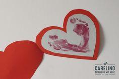 DIY Valentinskarte   14. Februar, der Tag der Liebe, das Fest der Verliebten und Liebenden. Der Druck ist hoch, denn was soll man an solch einem Tag schenken? Es muss etwas Besonderes sein und etwas, das von Herzen kommt.   Wir ziehen... Cookie Cutters, Card Making, How To Make, Cards, Love, Maps, Handmade Cards, Playing Cards, Cards To Make