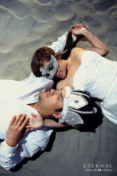 Eternal Fotografia Artistica: Trash the Dress Cynthia y John Couple Photos, Couples, Dresses, Illusions, Bodas, Artists, Vestidos, Couple Pics, Couple