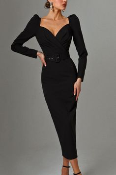 Fitted dress from LN family Elegant Outfit, Classy Dress, Classy Outfits, Chic Outfits, Dress Outfits, Fashion Dresses, Lovely Dresses, Modest Dresses, Elegant Dresses