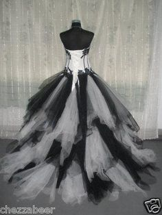 Source by bestofknit gowns gothic Emo Wedding Dresses, Emo Dresses, Long Dresses, Fantasy Wedding, Gothic Wedding, Elegant Dresses, Beautiful Dresses, Black White Parties, Fancy Gowns