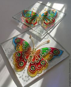 Discover thousands of images about Glass art lamp Glass Painting Patterns, Glass Painting Designs, Stained Glass Patterns, Bottle Painting, Bottle Art, Bottle Crafts, Stained Glass Paint, Stained Glass Crafts, Glass Butterfly