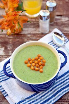 supa-crema-de-broccoli-cu-praz Romanian Food, Romanian Recipes, Cooking Time, Cooking Recipes, Yummy Food, Tasty, Health And Nutrition, Cheeseburger Chowder, Broccoli