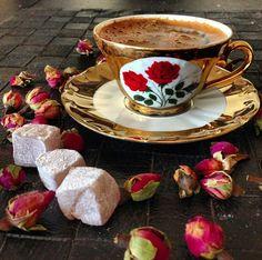 How to Make and Serve Turkish Coffee Turkish Coffee Cups, Turkish Tea, Turkish Delight, I Love Coffee, Coffee Break, Best Coffee, Chocolates, Best Espresso Machine, Coffee Varieties
