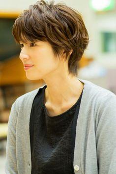 Pin on 吉瀬美智子 Messy Short Hair, Asian Short Hair, Long Hair With Bangs, Haircuts For Long Hair, Long Layered Hair, Asian Hair, Girl Short Hair, Cool Haircuts, Hairstyles Haircuts