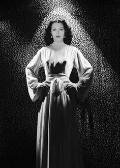 Austrian born actress Hedy Lamarr wearing a long dress in front of a leopard skin backdrop. Get premium, high resolution news photos at Getty Images Old Hollywood Glamour, Golden Age Of Hollywood, Vintage Glamour, Vintage Hollywood, Classic Hollywood, In Hollywood, Hollywood Couples, Hollywood Fashion, Divas