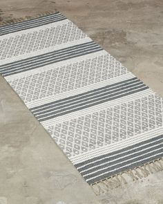 The supplier of finest custom handmade rugs. Woven only from the finest natural materials - These rugs are timeless through generations. Beige Carpet, Diy Carpet, Rugs On Carpet, Carpets, Stair Carpet, Loom Weaving, Hand Weaving, Home Depot Carpet, Painting Carpet