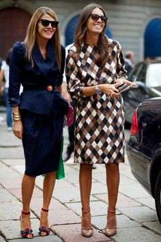 Streetstyle: Viviana Volpicella in patterned dress with Anna Dello Russo