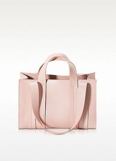 25 pink bags for Fall Winter 2016-2017