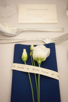 We love Rachael and Christopher's classic cream and navy real wedding