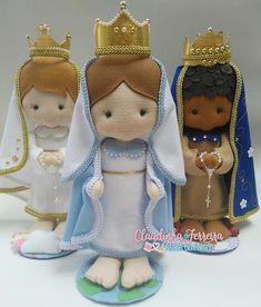 Nenhuma descrição de foto disponível. Nativity, Doll Clothes, Diy And Crafts, Snoopy, Santa, Teddy Bear, Dolls, Pattern, Projects