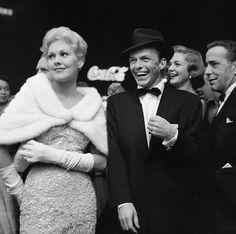 Kim Novak, Frank Sinatra, Lauren Bacall and Humphrey Bogart attend the premiere of THE DESPERATE HOURS (1955)