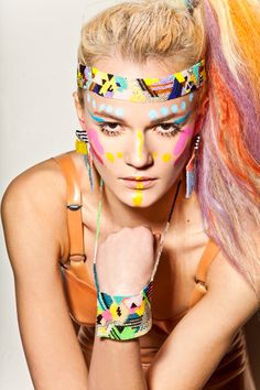 """Disco beaded headband and """"lucky charm"""" beaded pendant by Brokenfab (Swiss designer Fabienne Morel) Adult Face Painting, Body Painting, Hair Painting, Neon Face Paint, Tribal Makeup, Tribal Looks, Edm Outfits, White Henna, Neon Hair"""