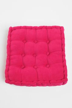 Tufted Corduroy Floor Pillow - Floor cushions for a reading corner! Urban Outfitters Apartment, Apartment Essentials, Floor Seating, Floor Cushions, Home And Living, Living Room, City Living, Living Area, Corduroy