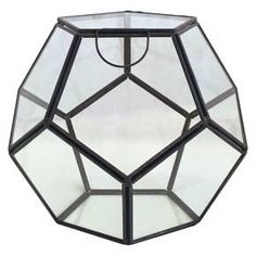 The Glass Terrarium is beautifully designed to add an earthy flair to any room. Cleverly arrange your succulents to complement the warm, industrial brass edges. Create your own whimsical indoor garden and give your air plants the geometric home they deserve with the house Glass Terrarium.The shape is like a football, increase the sense of design.