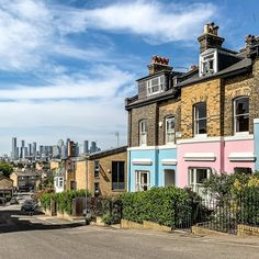 A Lady in London on Instagram. These pastel house colors and London view in Greenwich, London are great. #house #london #greenwich Greenwich Market, Greenwich London, Greenwich Observatory, Best Places In London, London Boroughs, London View, Pastel House, London Travel, Happy Friday