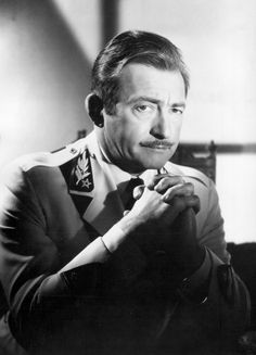 Claude Rains played in many Bette Davis movies. I love this actor. He was way before my time but I do not know of his equivalent today. Old Hollywood, Classic Hollywood, Casablanca 1942, Claude Rains, Bette Davis Eyes, Film Genres, Face Men, American Actress, Movie Stars