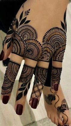 Latest Amazing Mehndi Designs For Parties Hello Guys! here you will see Latest Mehndi Designs with Amazing Patterns for your Hands and. Finger Henna Designs, Mehndi Designs For Girls, Mehndi Designs 2018, Stylish Mehndi Designs, Mehndi Designs For Fingers, Wedding Mehndi Designs, Back Hand Mehndi Designs, Mehandi Designs New, Finger Mehndi Design