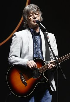 Joe Walsh of The Eagles performs at the 2008 Stagecoach Country Music Festival in Indio. Country Music, Eagles, Famous People, Crop Circles, Actors, Entertainment, Film, Hungary, Celebrities