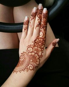 detailed mehndi design for hand Mehandi Design Henna Design# Mehandi Art Mehandi Art Henna Art Beautiful henna design by how lush the paste look like! Make the design so beautiful detailed mehndi design for hand Henna Hand Designs, Pretty Henna Designs, Mehndi Designs Finger, Simple Arabic Mehndi Designs, Modern Mehndi Designs, Mehndi Design Pictures, Mehndi Designs For Fingers, Indian Henna Designs, Henna Tattoo Designs