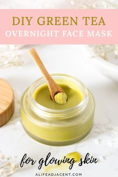 Wake up to glowing skin with this DIY green tea overnight face mask! Inspired by Korean beauty, this homemade recipe helps to brighten your skin overnight. Homemade Skin Care, Diy Skin Care, Homemade Beauty, Diy Natural Beauty Recipes, Face Scrub Homemade, Homemade Face Masks, Lotion Bars Diy, Diy Overnight Face Mask, Diy Cosmetic