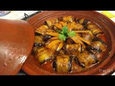 الذ طاجين بالبادنجال يستحق التجربة 👌👌 - YouTube Plats Ramadan, Tagine Recipes, Ramadan Recipes, Lebanese Recipes, Lunch Meal Prep, Arabic Food, Easy Meals, Easy Recipes, Pot Roast