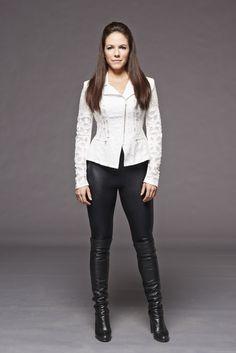 "Lost Girl S5 Anna Silk as ""Bo Dennis"""